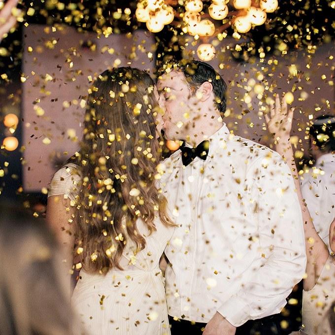 2015_bridescom-editorial_images-05-wedding-exit-photos-large-wedding-exit-photos-kelly-kollar-photography
