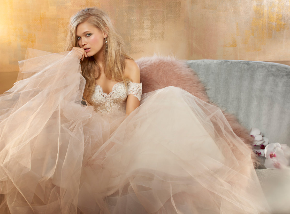 alvina-valenta-bridal-tulle-ball-gown-lace-natural-waist-v-neckline-corseted-back-jeweled-9506_lg