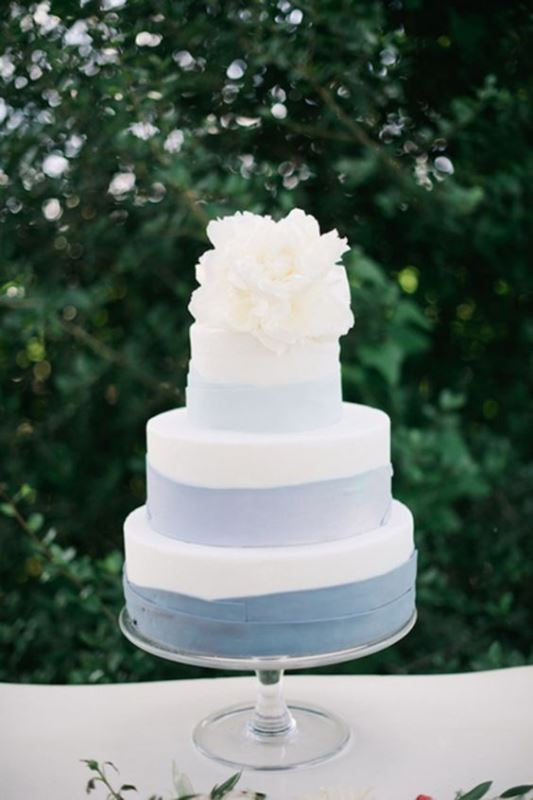 13-loveliest-serenity-wedding-cake-ideas-8