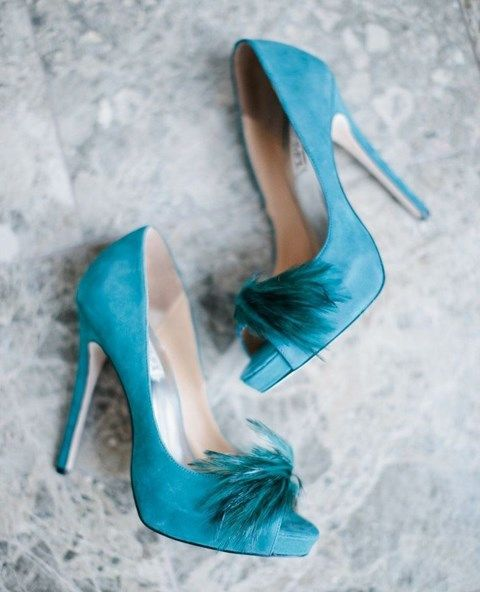 24-suede-tiffany-blue-heels-with-feathers