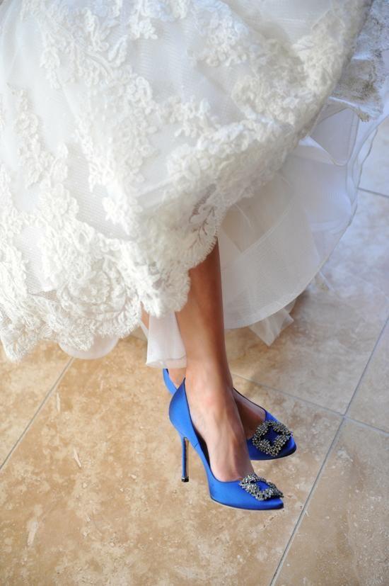 30-amazing-royal-blue-manolo-blahnik-shoes-with-embellishments