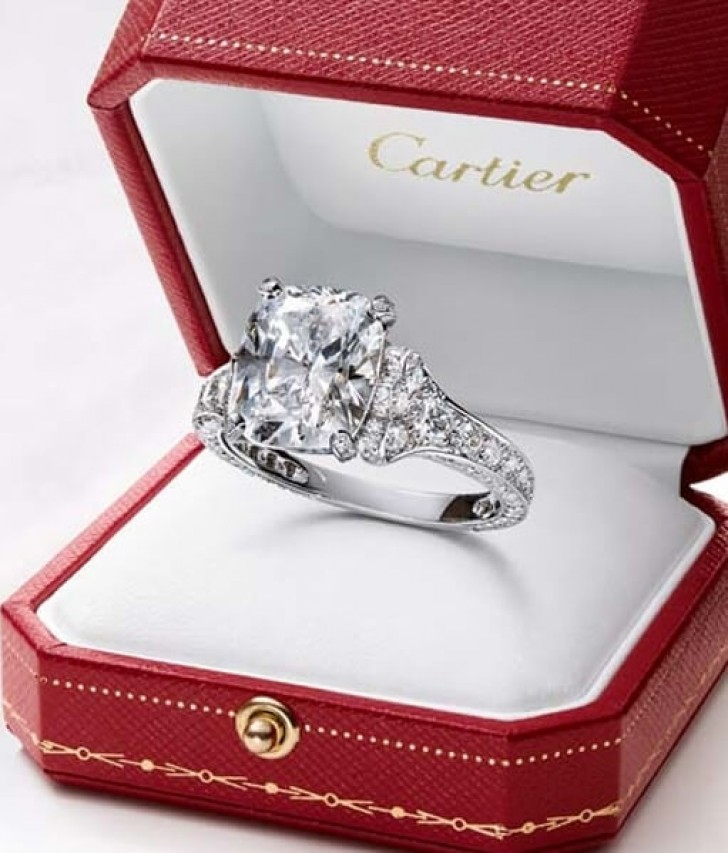 cartier-engagement-ring-prices2-2yq8a4vc2lc9tsyepnrrpc