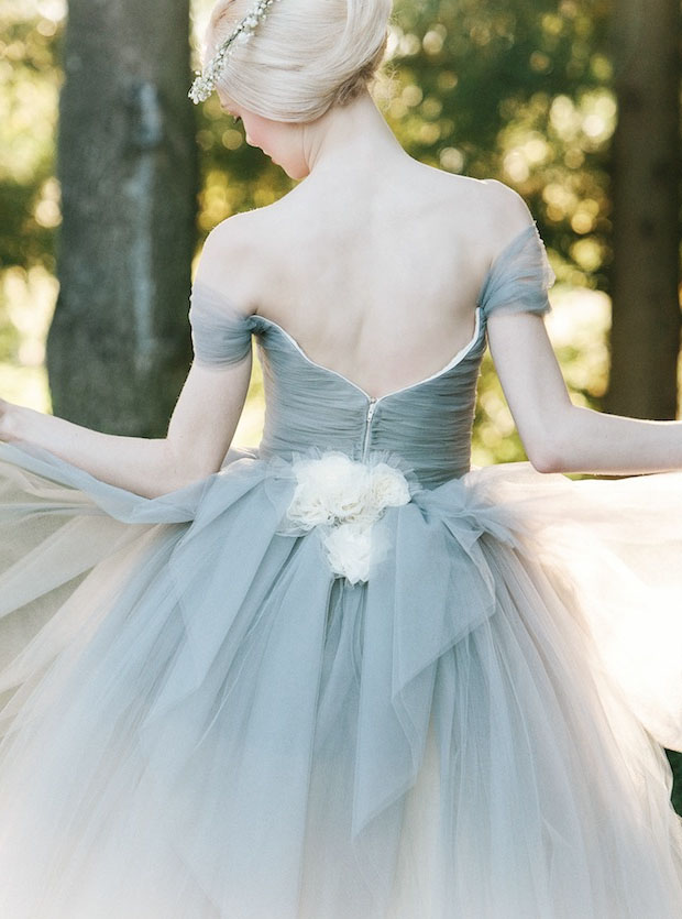v-back-dusty-blue-off-the-shoulder-peplum-ball-gown-tulle-wedding-dres-5