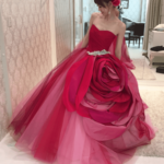 純白のウェディングドレスから一転♡**印象的な赤のウェディングドレス試着レポ*♡