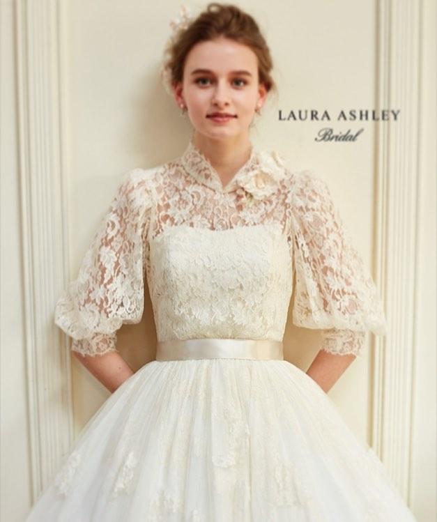 カラードレスもお袖付き 可愛いスリーブデザインの2018年最新