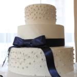 【上品はなやか♡♡】可愛すぎるアラザンのウェディングケーキをcheck!♡