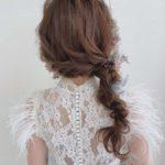 [ おすすめの花嫁ヘア ]編みおろしでかわいくおしゃれに*IGで見つけた可愛いウェディングヘアをcheck!